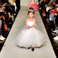 Traveling Child Runway/Print Model